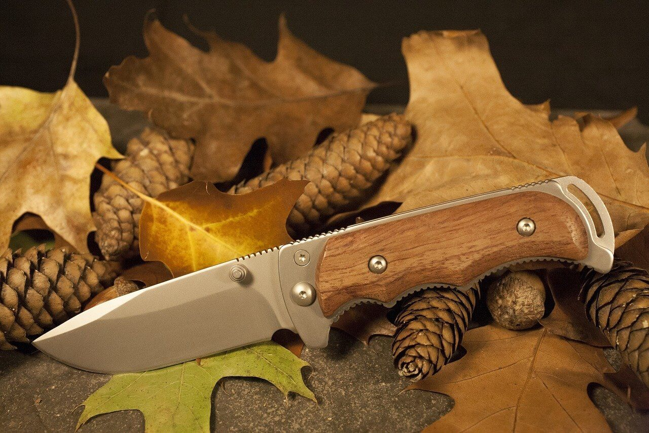 4 Quality Knives to Bring on Your Next Hunting Trip